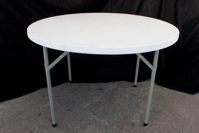 1150mm round, cream plastic top (seats 6)</