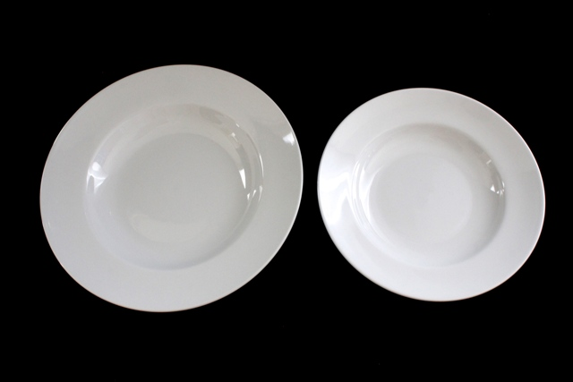 Broad-Rim Pasta Bowls