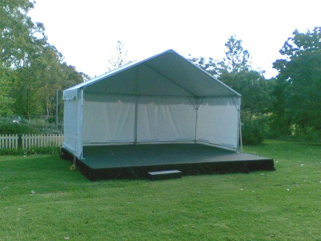 6m x 3m stage cover on a 6m x 4.8m at 400mm high stage