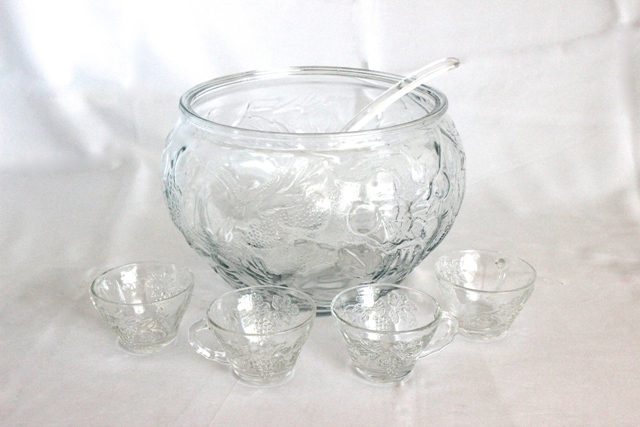 Punch bowl set - incl. ladel & cups