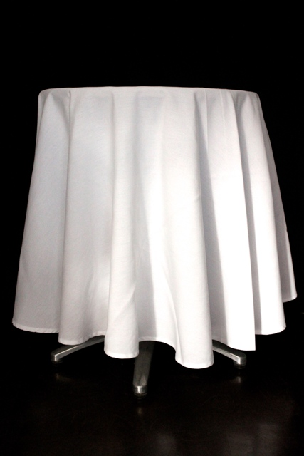 Round, white - to suit 60cm cake table