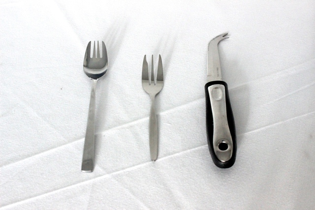 Splayd, cake fork, cheese knife