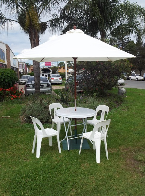 Market Umbrellas, white, 2m dia. w/base