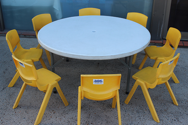 Kindy tables – white 1.15m diameter round plastic top. Seats approx. 8 children